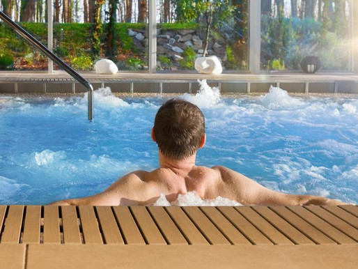 Should You Use the Hot Tub at a Hotel?