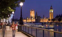 London Travel - walking the south bank of London