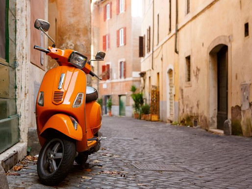 Should I Rent a Motorbike When I Travel to Rome?