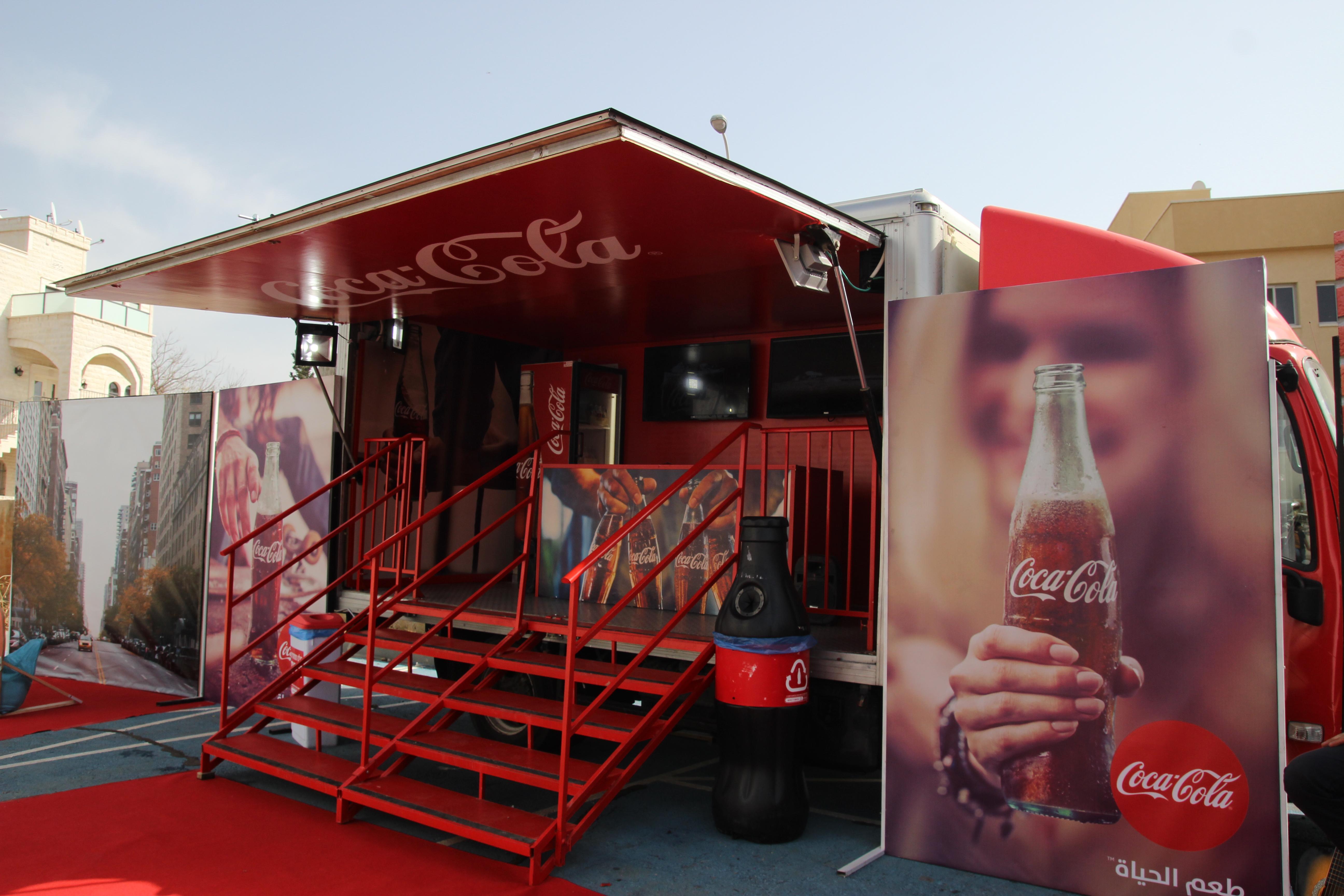 מגזר ערבי - משאית בר של קוקה-קולה