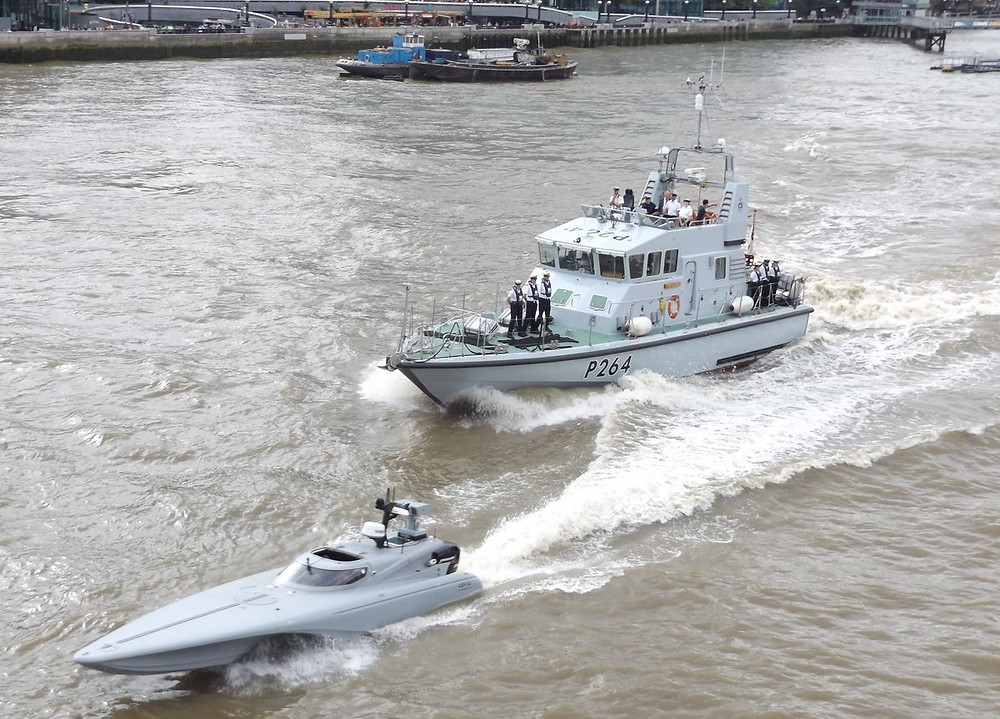 """Bladerunner"" Drone Speedboat and HMS Archer, the Thames, 5-9-16"