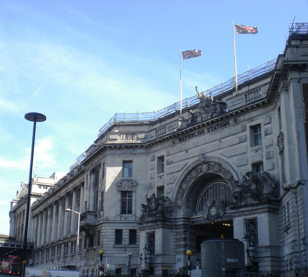 Waterloo Station and Victory Arch War Memorial. Copyright AFFG 6-6-18
