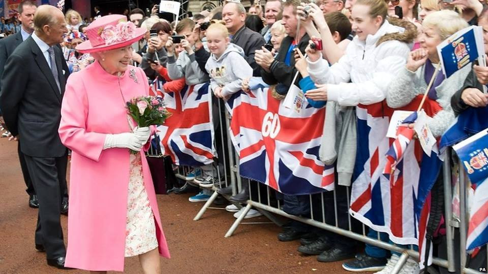 Her Majesty and Prince Philip, George Square, Glasgow, 4-7-12