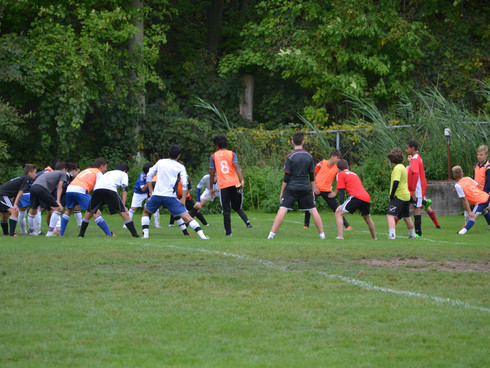 CL Futbol Tryouts Sept 15, 17, 19