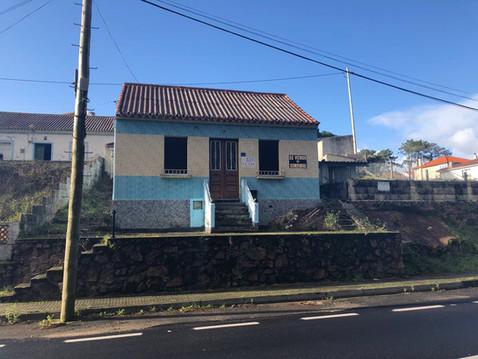 """RIVEIRA -  AMEIXIDA:                          Casa independiente a reformar.        """"CASA CON E"""
