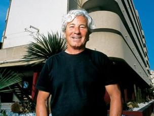 Estreno en el Cine Capitol del documental de Miguel Bardem sobre la Discoteca Pachá y su fundador, R