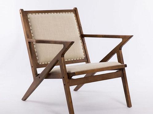 Butaca de madera tapizada en lino beigeXN1710