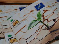 Tríptico en papel ecologico
