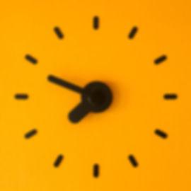 yellow.clock.jpg