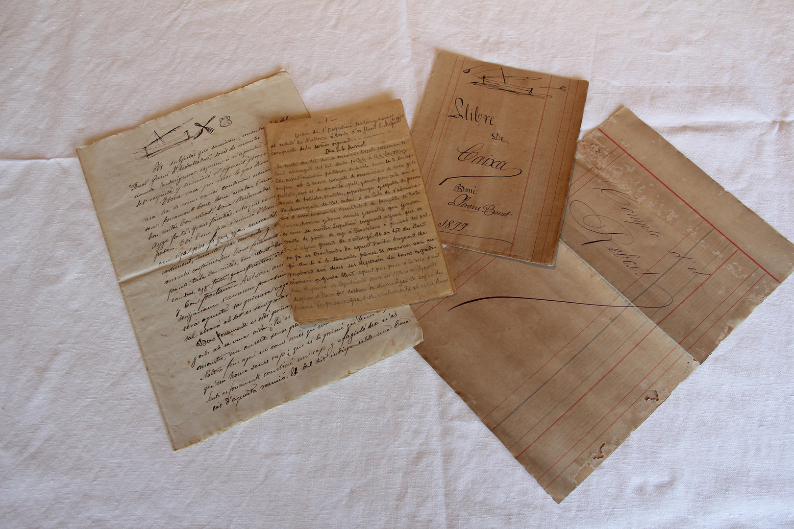 Set of handwritten documents with information about how the expedition was planned and details of how it developed.