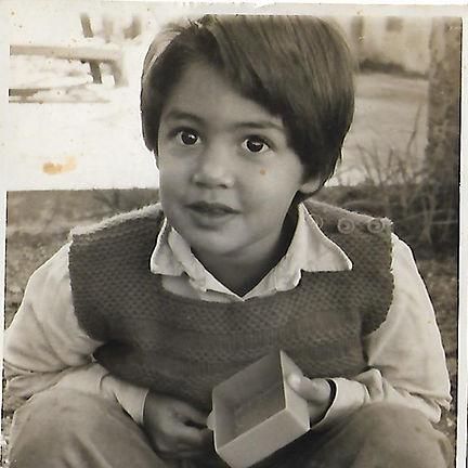 תמונת ילדות אפרת אבו