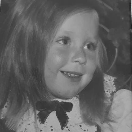 תמונת ילדות של אורית סרי