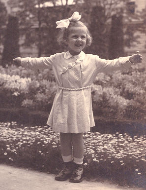 A picture of Rene Michalowitz as a child. Photographed in an amusement park in Vienna in 1936