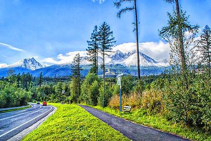mountains-5069420_1280.jpg