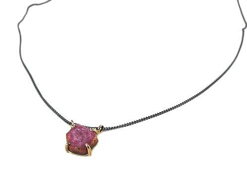 necklace garras rubi hexagon