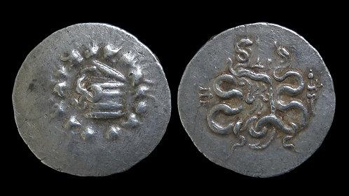 MYSIA, Pergamon . Circa 104-98 BC . AR Cistophoric Tetradrachm . Cista Mystica