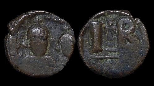 BYZANTINE EMPIRE . Heraclius, AD 610-641 . AE Dodecanummium (12 nummi)