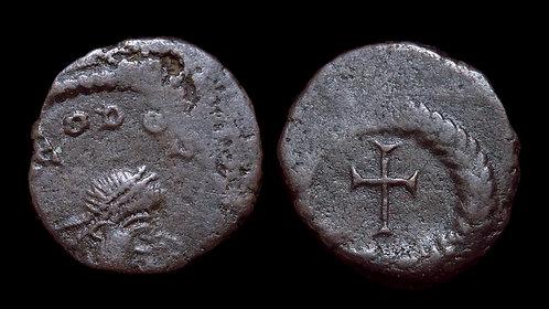 THEODOSIUS II . AD 402-450 . AE4 . Cross Potent