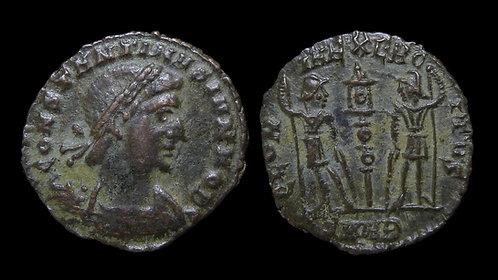 """CONSTANTINE II, as Caesar . AD 316-337 . AE4 . """"GLORIA EXERCITVS"""" . Nicomedia"""