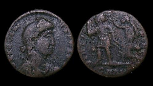 ARCADIUS . AD 383-408 . AE3 . Emperor crowned by Victory