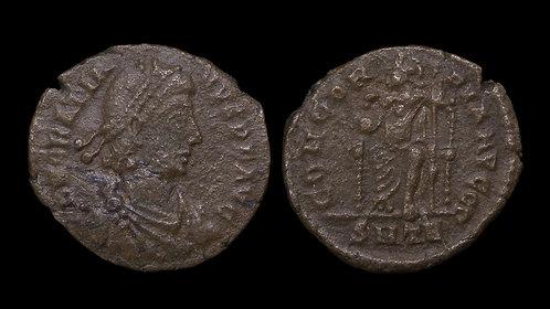 GRATIAN . AD 367-383 . AE3 . Roma Enthroned . Trier