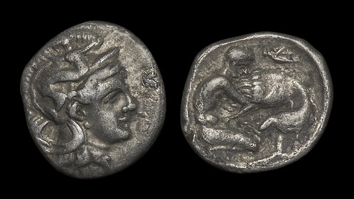 CALABRIA, Tarentum . Circa 380-332 BC . AR Diobol . Herakles Strangling Lion
