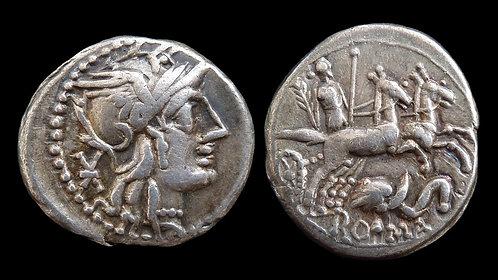 ROMAN REPUBLIC . L Caecilius Metellus Diadematus, 128 BC . Denarius . Pax Biga