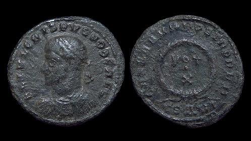 CRISPUS, Caesar . AD 317-326 . AE3 . Vota in wreath . Thessalonica