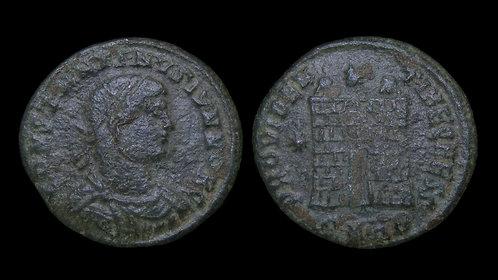 CONSTANTINE II, as Caesar . AD 316-337 . AE3 . Campgate . Heraclea