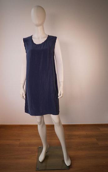 Ärmelloses Kleid von POU NOU