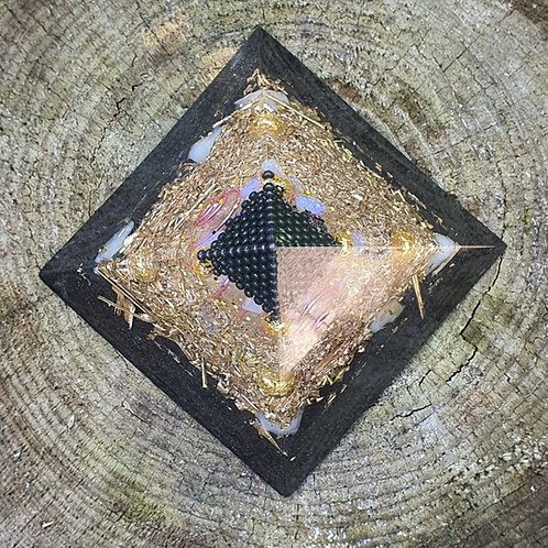 SHUNGITE Pyramid  Orgone  L