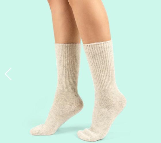 Fuzzy Kışlık Krem Yün Çorap