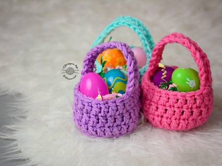 Crochet Mini Basket Pattern & Tutorial