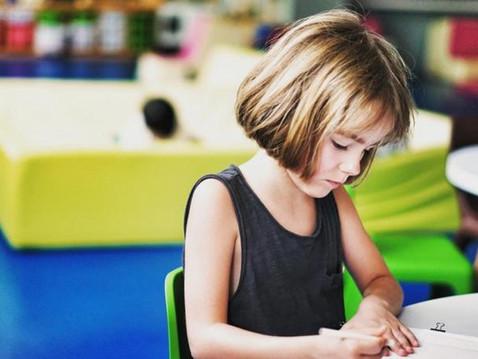 Vstup nebo návrat do školy nemusí být pro rodiče ani děti vůbec složitý. Mnoho starostí, strachů...
