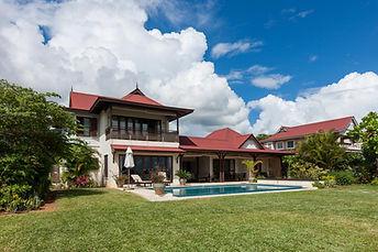 Villa Eden Island vue du jardin.jpg