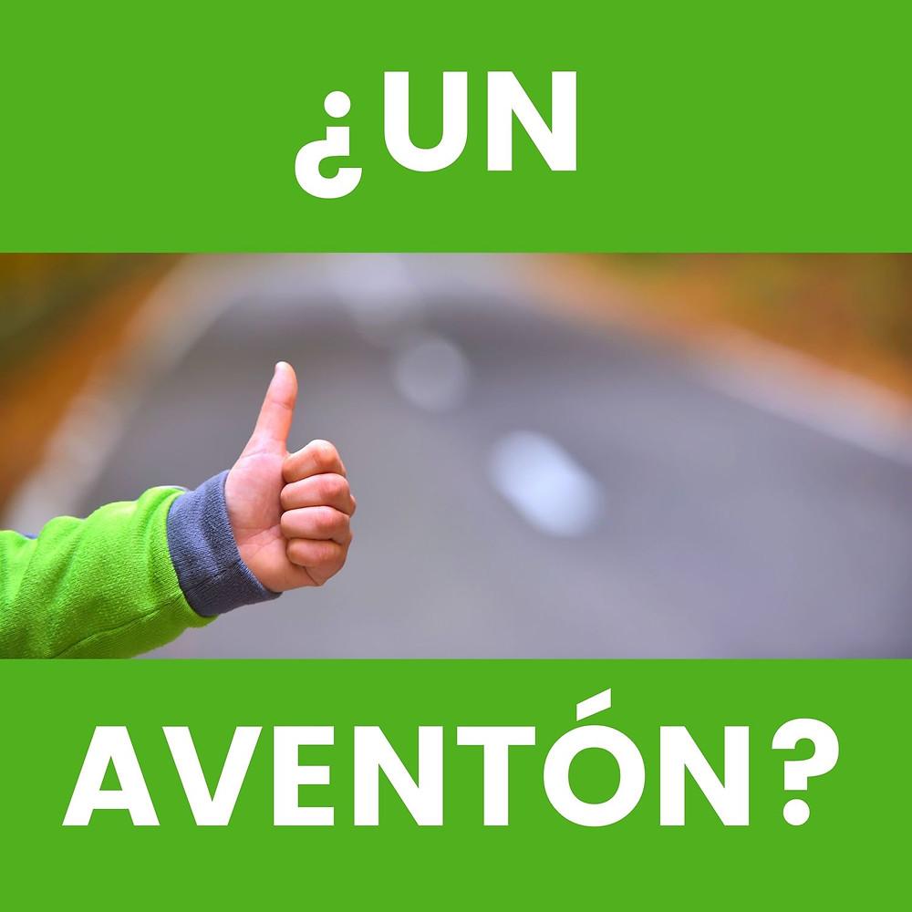 Persona con dedo arriva y el texto Un Aventon