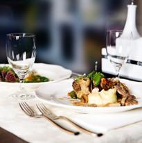 restaurant-646678.jpg