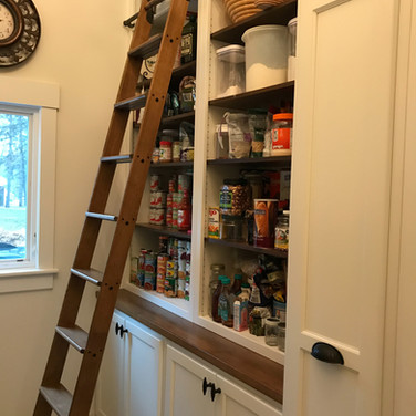 (25) Pantry/Laundry Room with ladder