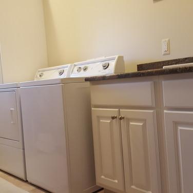 (22) Dove White Laundry Room
