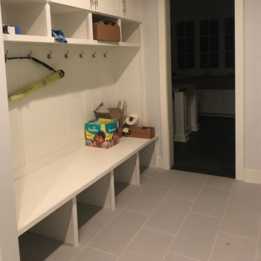 (21) Dove White Laundry Room Cabinets
