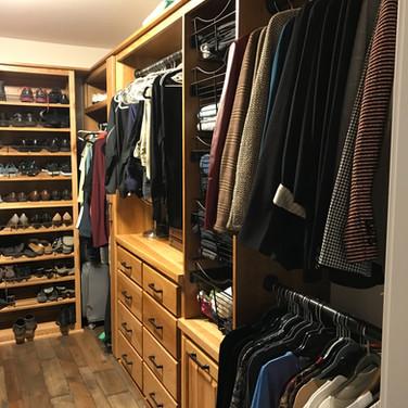 (32) Hickory Master Closet