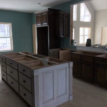 (46) White glazed kitchen