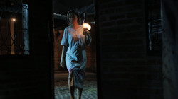 Angker - Scene Ratna Masuk Ke Gudang