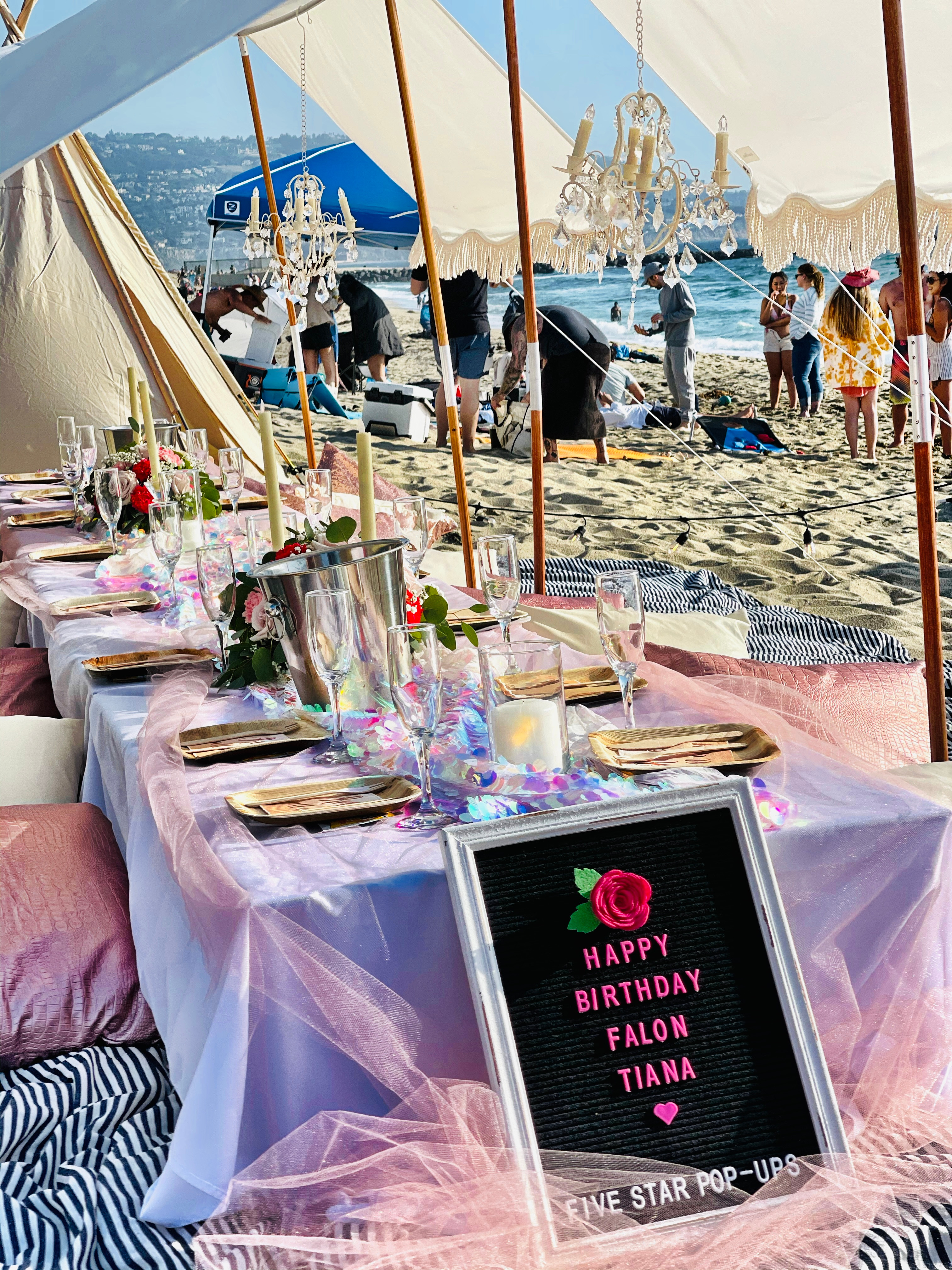 Luxury Twin Fringe Tent Pop-Up for 20
