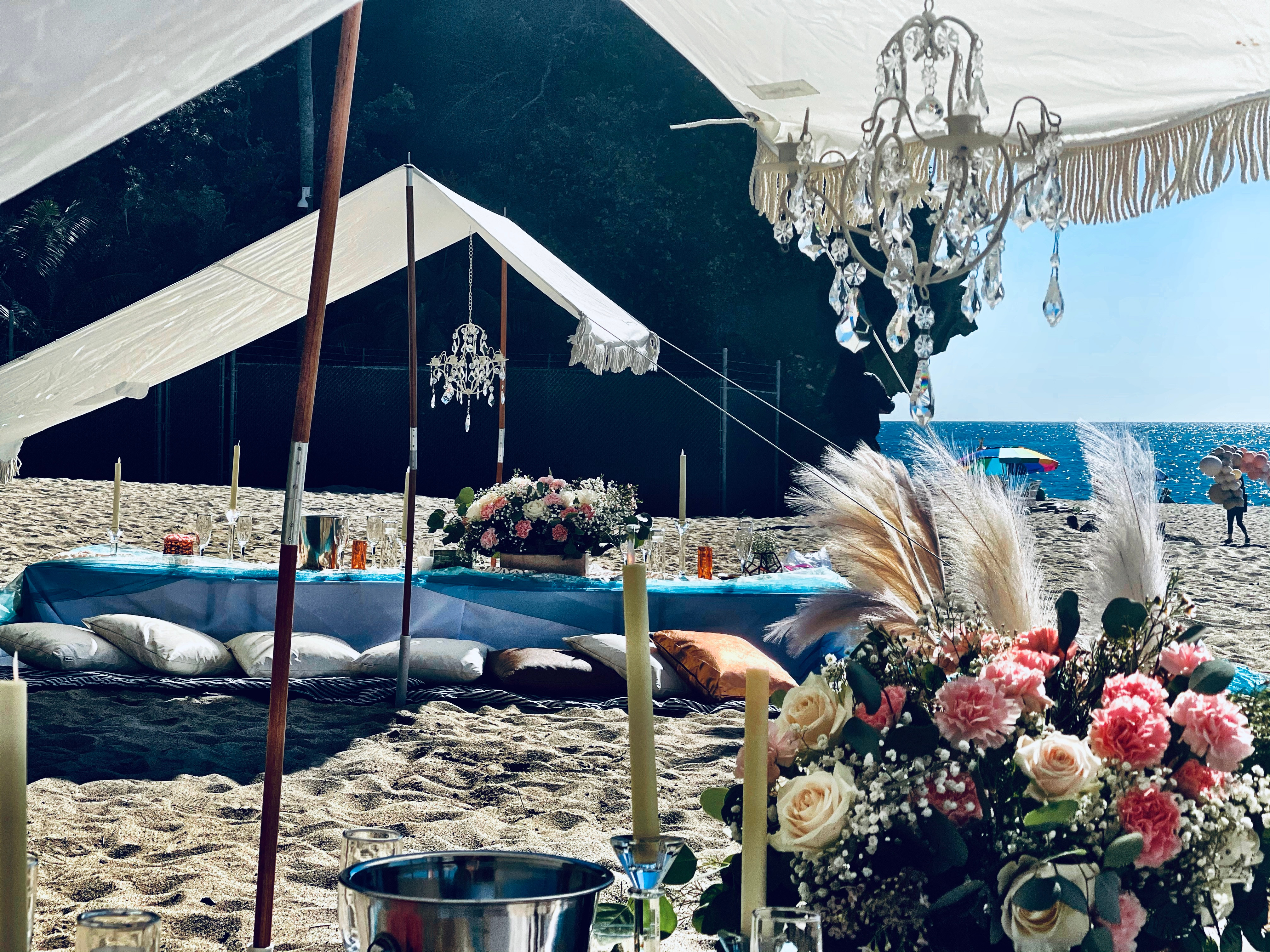 Luxury Twin Fringe Tent Pop-Up for 16