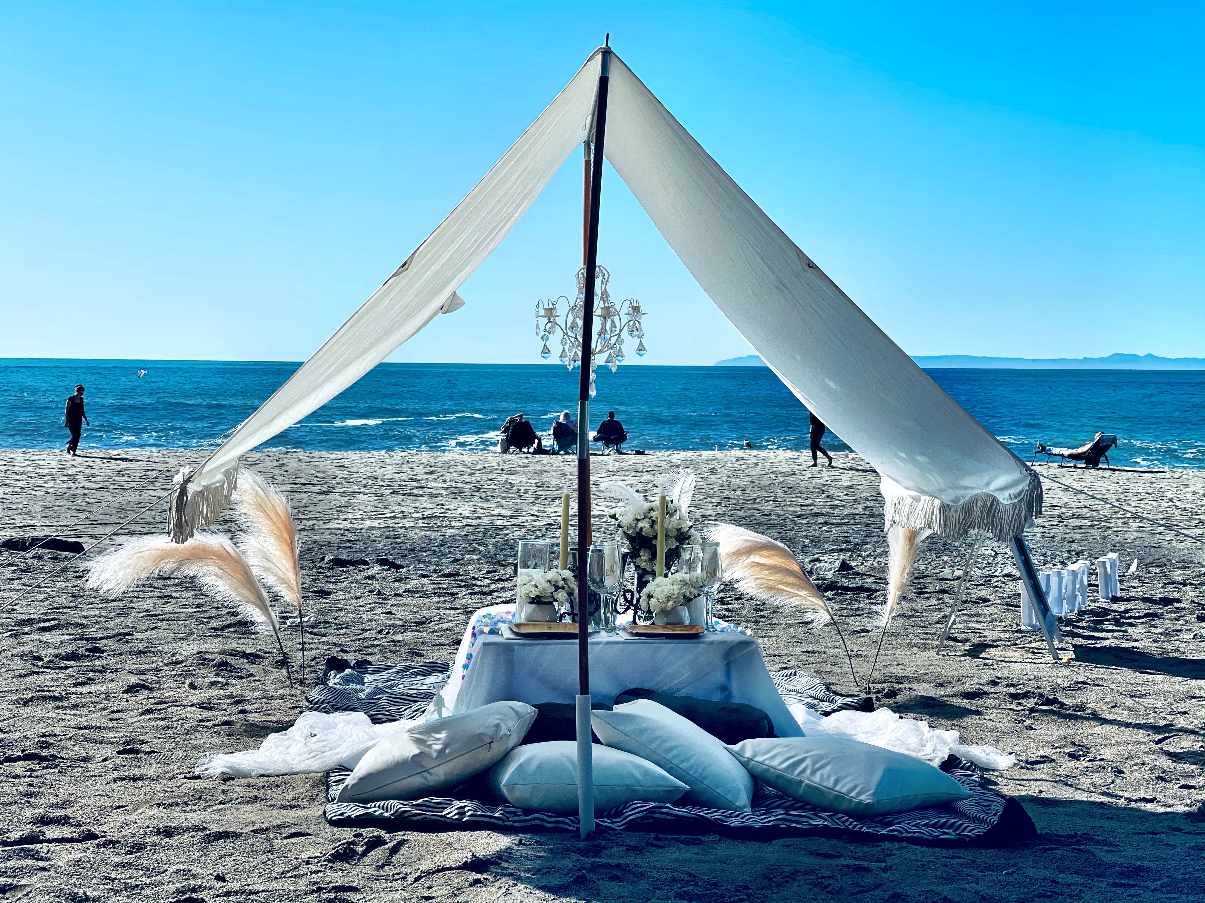 Luxury Fringe Tent Pop-Up for Two