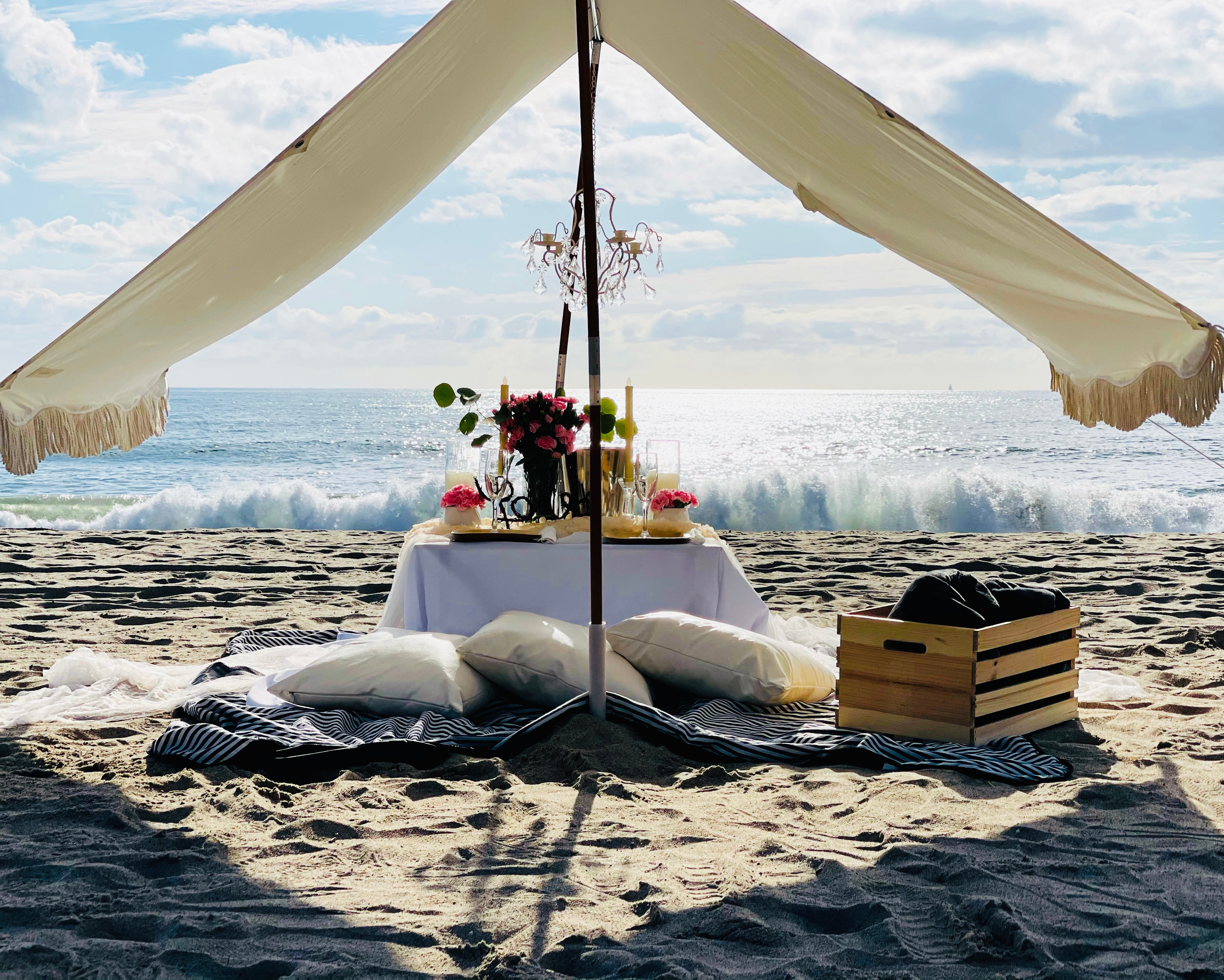 Luxury Fringe Tent Pop-Up for Four