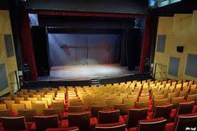 theatre de vaureal.jpg
