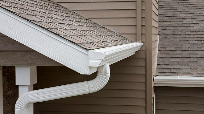 clear cut xteriors gutter 3.jpeg