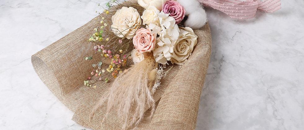 Eternal Roses bouquet gift box_White